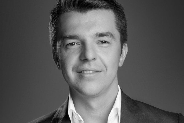 dr. Mihai Dorobantu - Clinica NAOS